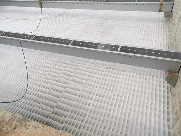 安装后的斜板填料